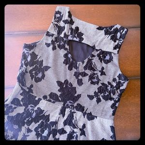 Dresses & Skirts - Beautiful gray dress with floral appliqués